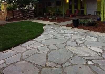 Modern flagstone paver patio