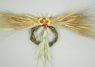 Dried wheat wall hanging wreath